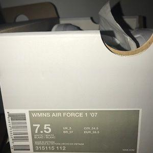 Nike Shoes - Women's Nike Air force 1